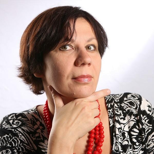 Ewa SKARBEK-OĆWIEJA