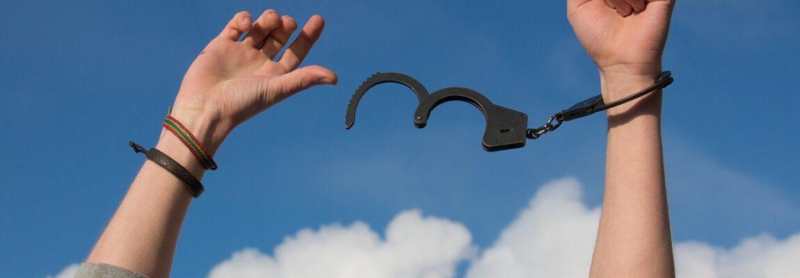 Uzależnienie to Twój wróg. Rodzaje uzależnień i co trzeba o nich wiedzieć?