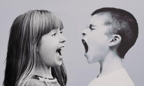 Kiedy agresja u dziecka jest problemem i jakie są jej przyczyny?