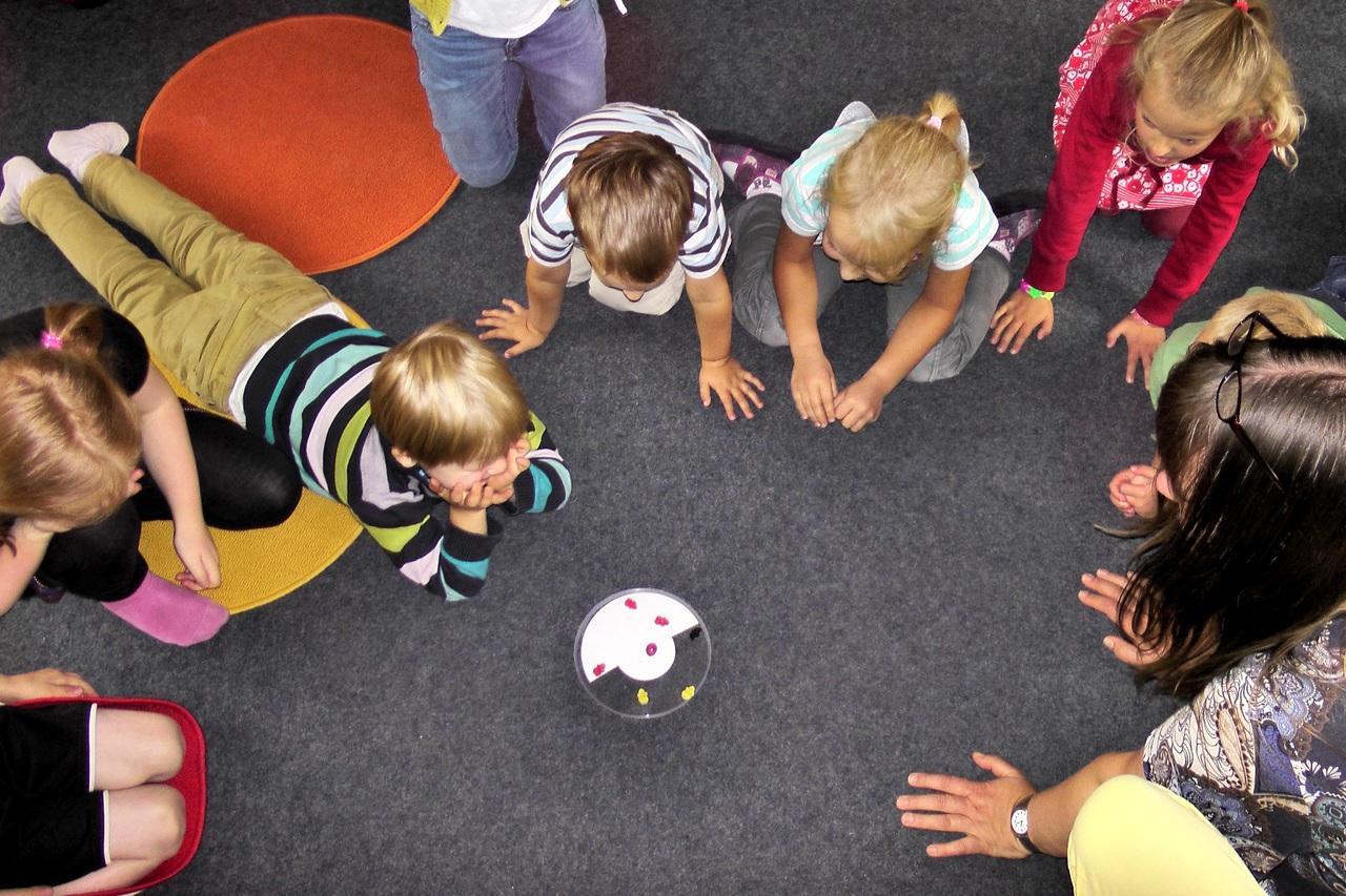 Kiedy warto zapisać dziecko do grupy rozwoju umiejętności społecznych?